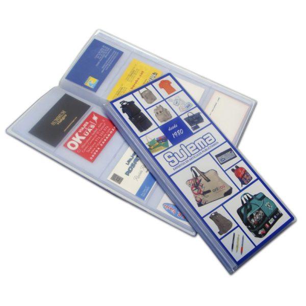 Tarjetero con capacidad para 160 tarjetas de visita, fabricado en PVC. Es un regalo personalizable, muy práctico para regalar a sus clientes.
