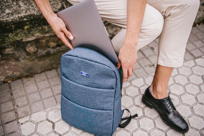 viaje con tu portátil a donde quiera que vayas con tu mochila